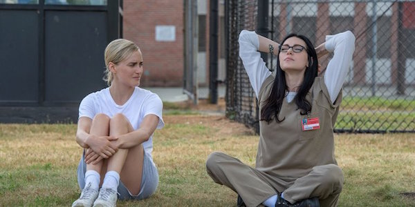 piper and alex outside Orange is the New Black