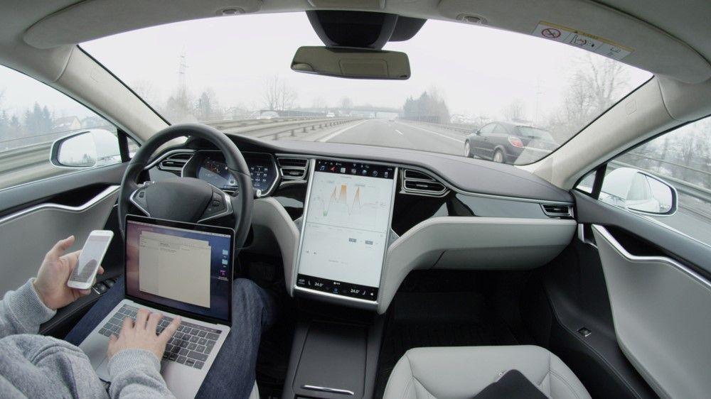 You'll soon be able to stream YouTube and Netflix to your Tesla's dashboard
