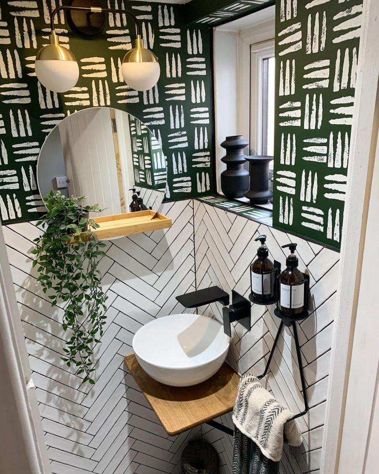 Alimah-Shadia Sittah bathroom after