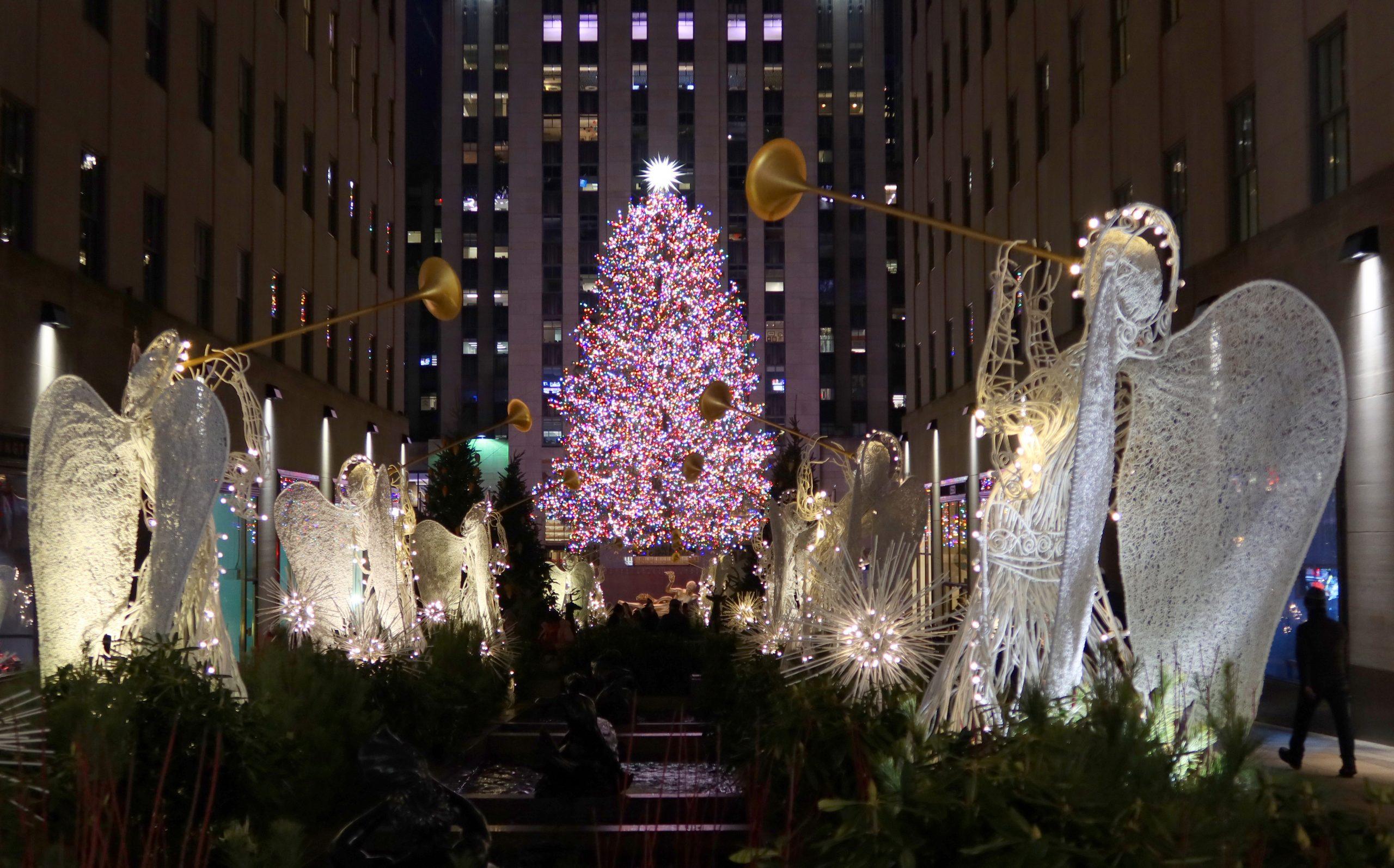 Christmas in New York: Rockefeller Center Christmas Tree in New York City