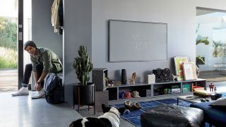 A photo of the Samsung Q6FN QLED TV in-situ