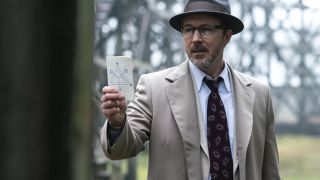 After joining Project Blue Book, Dr. J. Allen Hynek (Aiden Gillen) is drawn deeper into the mysterious world of UFOs.
