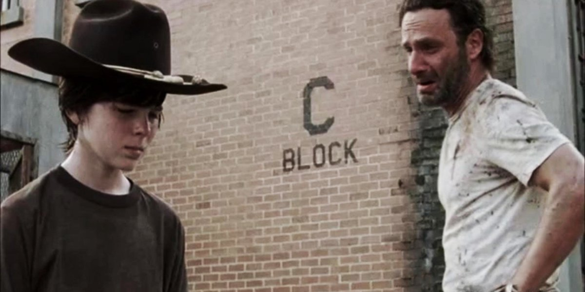 Carl and Rick after the death of Lori in The Walking Dead.