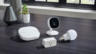 Samsung SmartThings Cam, Wifi, Smart Plug and Smart Bulb