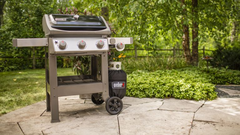 best gas grill showing the Weber Spirit II E-320 on a patio