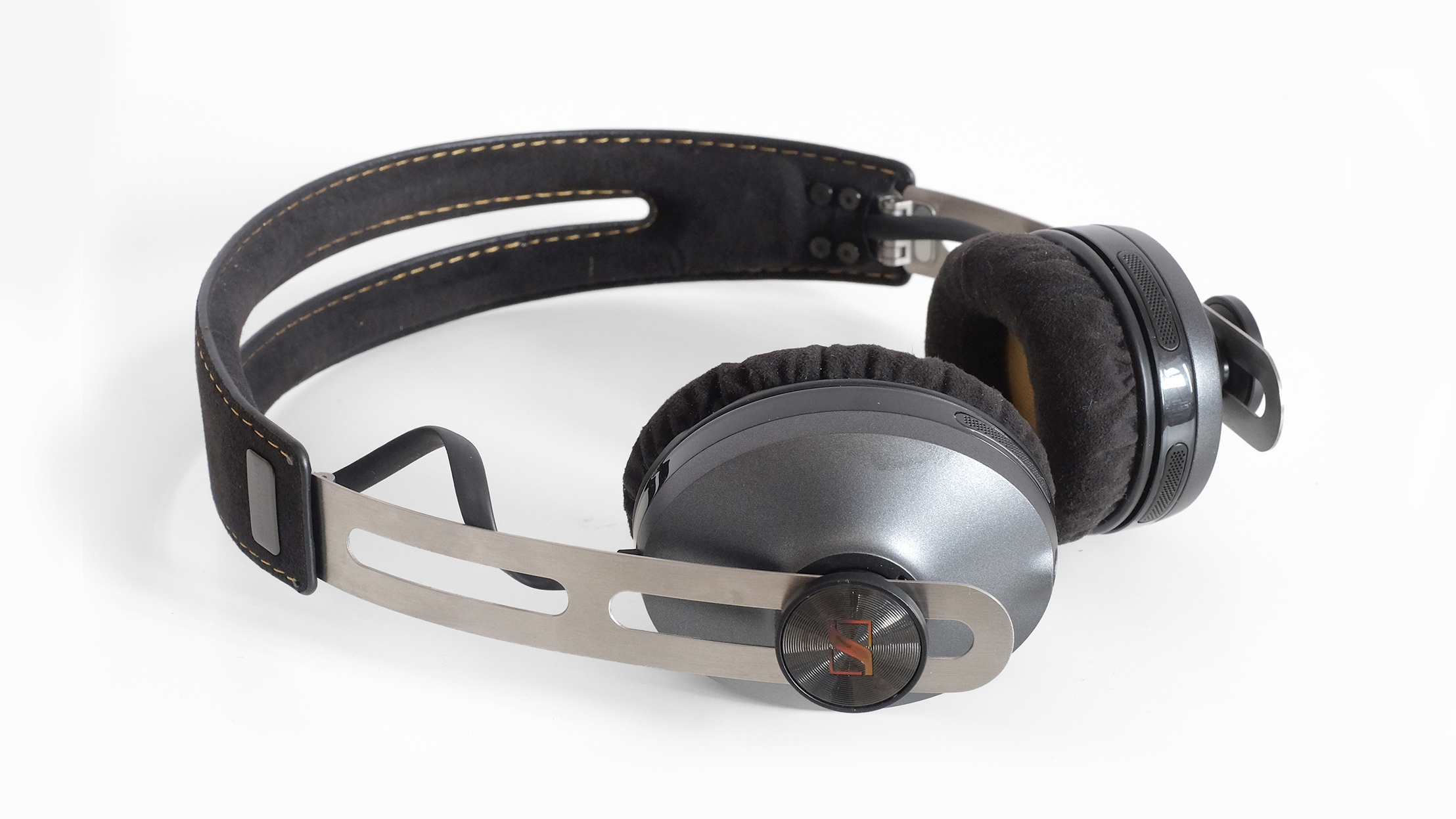 Sennheiser Momentum 2 On Ear Wireless Techradar Beats Headphone Solo Hd1