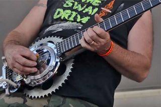 Guitar Made From Harley Parts : meet the hog o caster a guitar made from harley parts guitarworld ~ Russianpoet.info Haus und Dekorationen