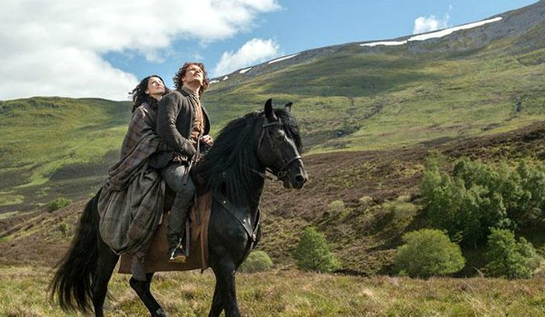 outlander jamie claire on horse starz