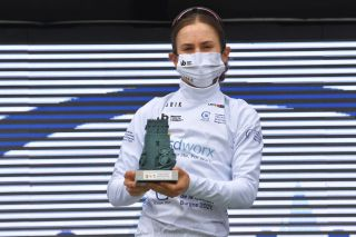 Niamh Fisher-Black wins the Best Young Rider competition at Vuelta a Burgos Feminas
