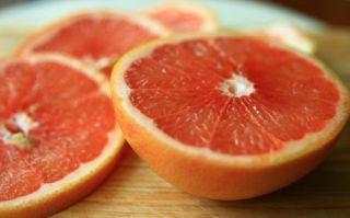 grapefruit-sliced-100831-02