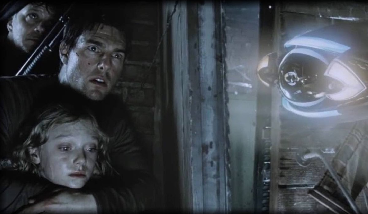 War of the Worlds Tim Robbins, Tom Cruise, and Dakota Fanning hide from an alien probe