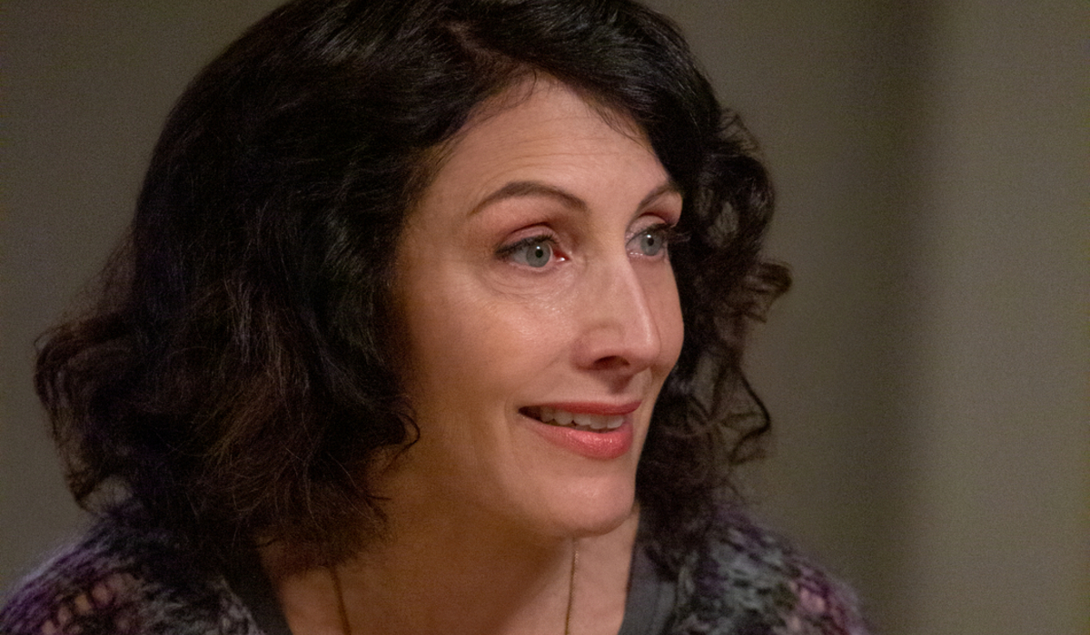 The Kominksy Method Lisa Edelstein Phoebe Newlander Netflix
