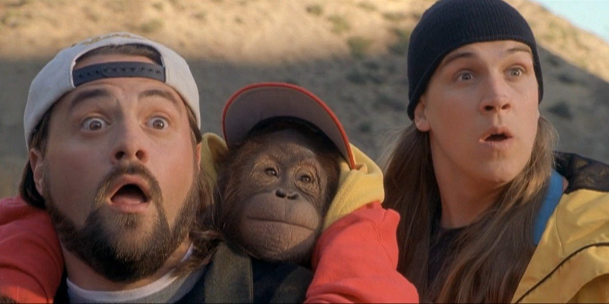 Kevin Smith, Jason Mewes, and a furry friend in Jay and Silent Bob Strike Back