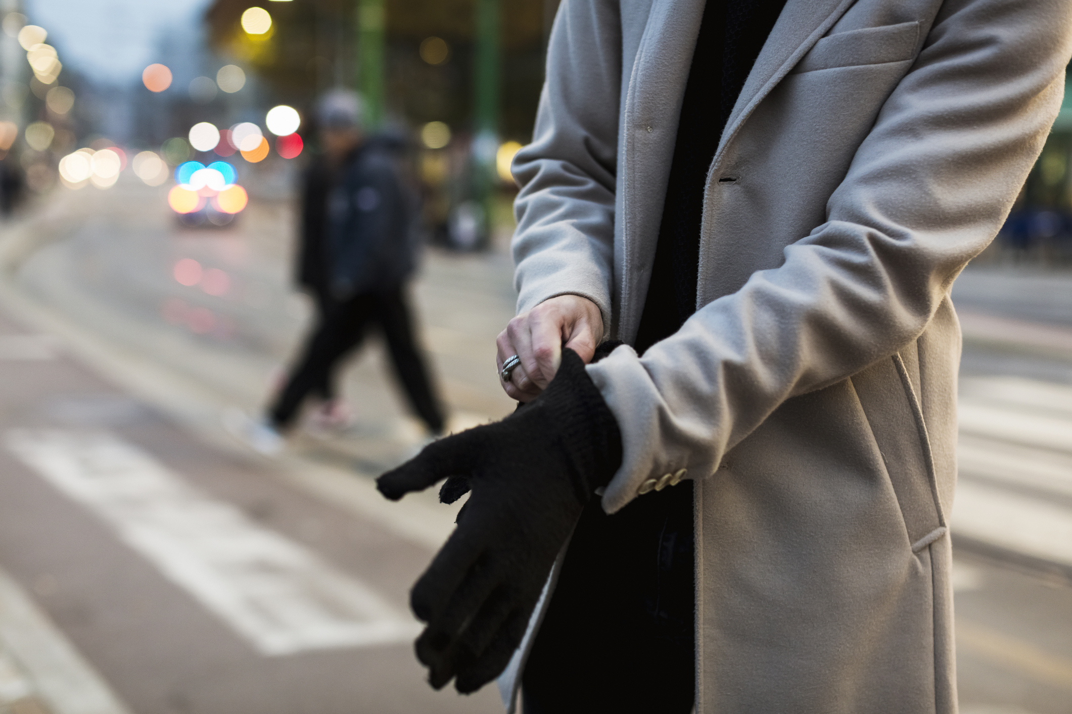 Study reveals that winter gloves contain five times more bacteria than the average toilet seat