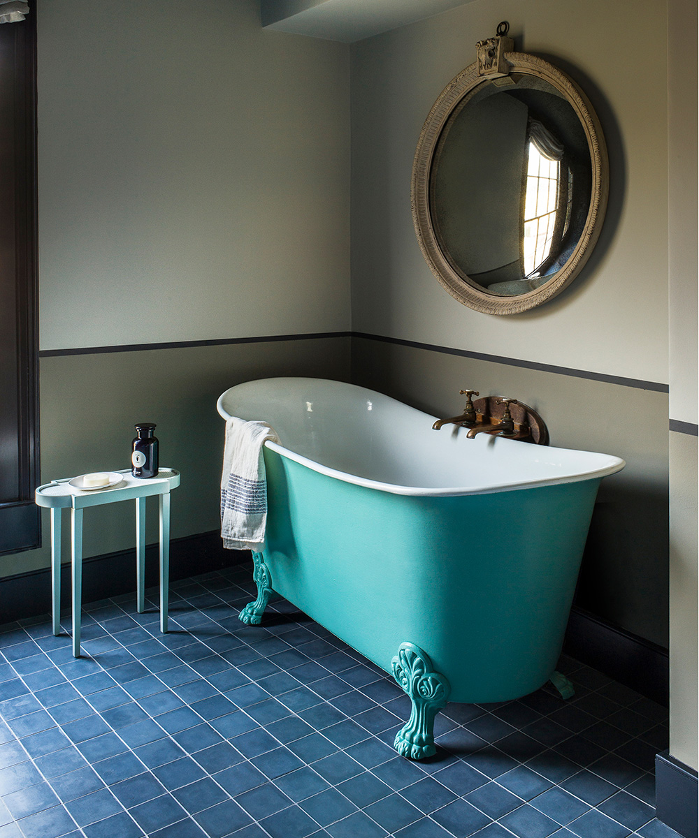 English country-style bathroom with turquoise bath | Homes & Gardens