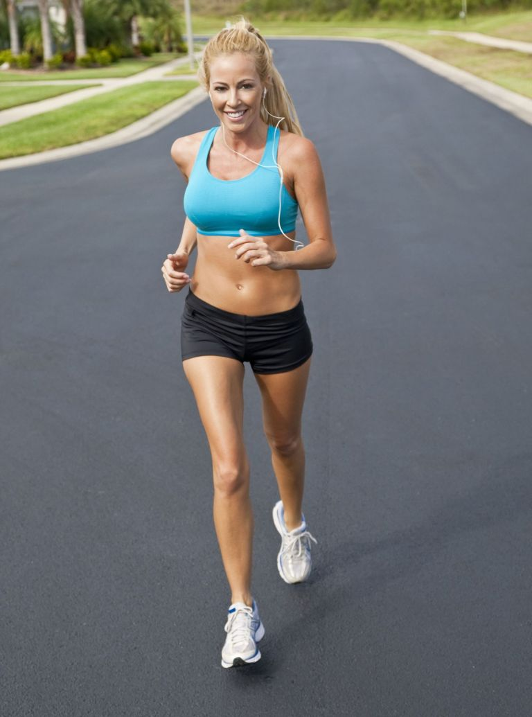 woman running photo-fitness for less