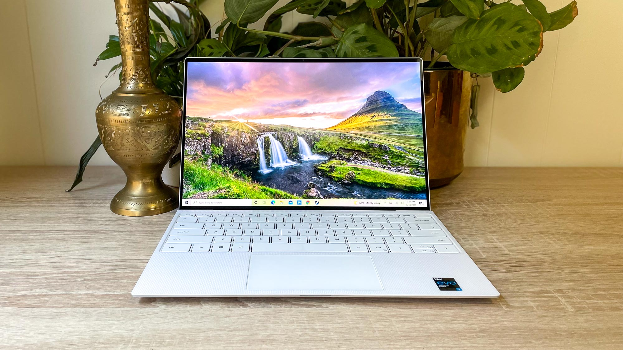 best touchscreen laptops: Dell XPS 13 OLED