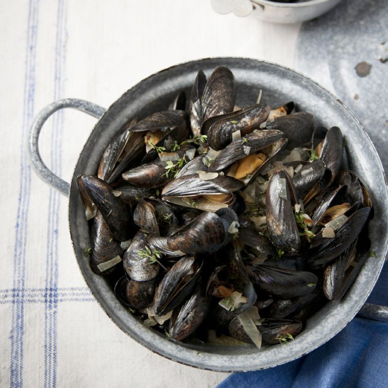 Mussels with Dry Sherry, Garlic and Thyme recipe-recipe ideas-new recipes-woman and home