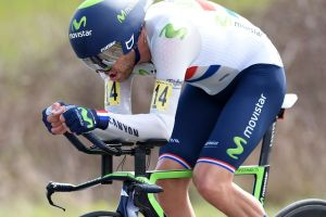 Alex Dowsett breaks British 25-mile time trial record with sub 45-minute ride