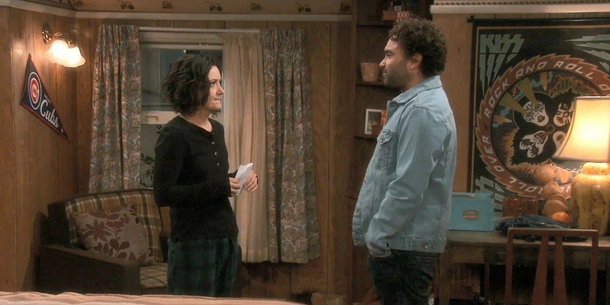 Sara Gilbert and Johnny Galecki on The Conners