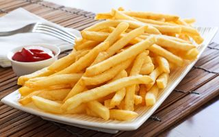 A plate of fries.