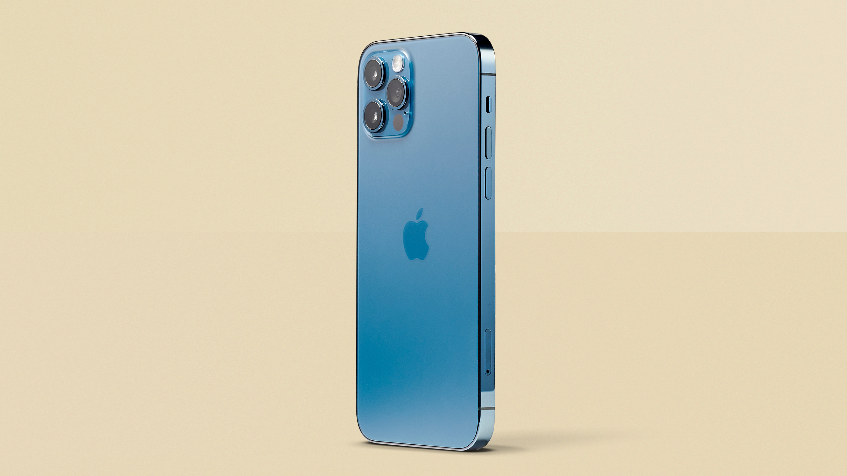 https://www.t3.com/reviews/iphone-12-pro-max-review