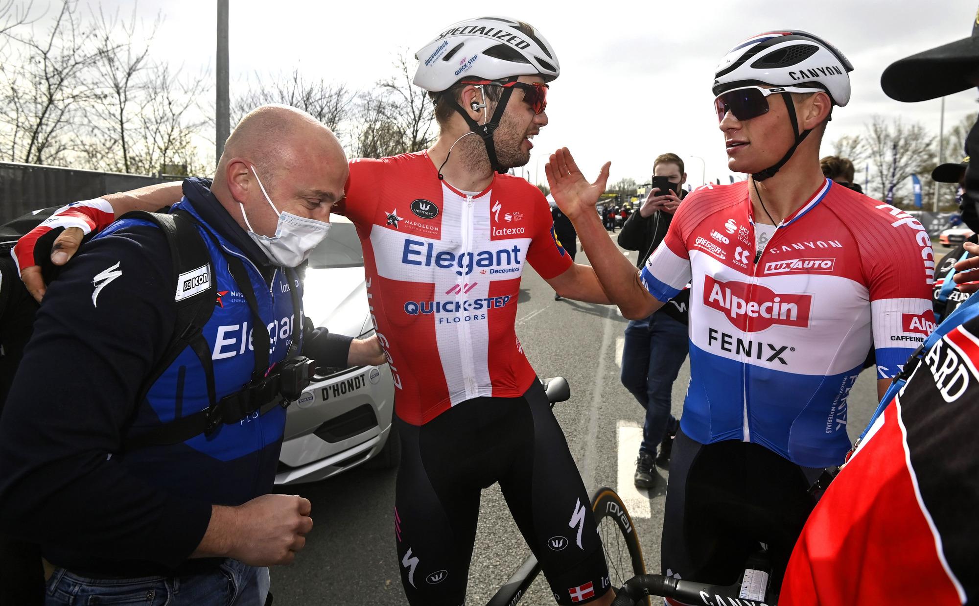 Ronde van Vlaanderen 2021 - Tour of Flanders - 105th Edition - Antwerp - Oudenaarde 263,7 km - 04/04/2021 - Kasper Asgreen (DEN - Deceuninck - Quick-Step) - Mathieu Van Der Poel (NED - Alpecin-Fenix) - photo Nico Vereecken/PN/BettiniPhoto©2021