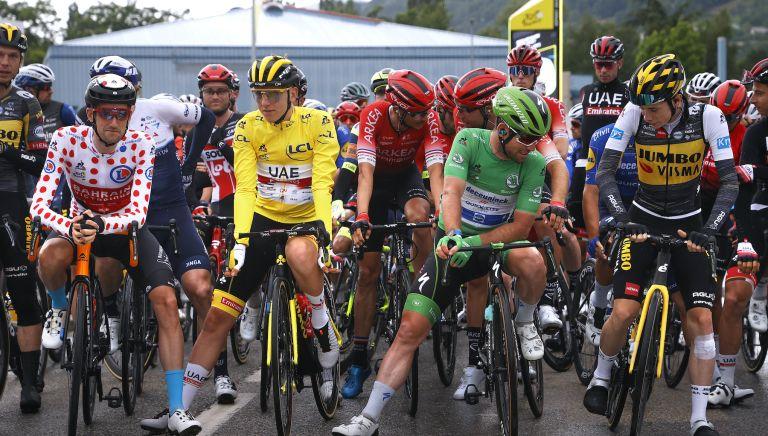 Pogačar looks set to hold onto yellow