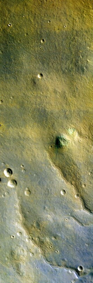 First Images from Mars Orbiter's High Resolution Camera Wow Researchers