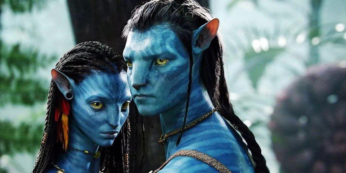 Zoe Saldana and Sam Worthington as blue people