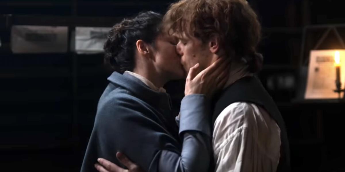 outlander claire jamie kiss a. malcolm starz