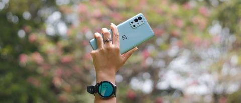OnePlus 9R.
