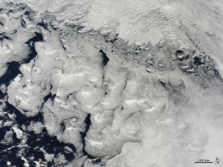 Indian Ocean winds clouds