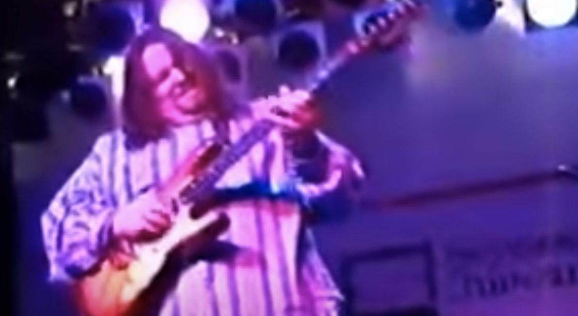 Watch Shawn Lane Melt the Fretboard with an Incredible Solo at a Memphis Club in 1992