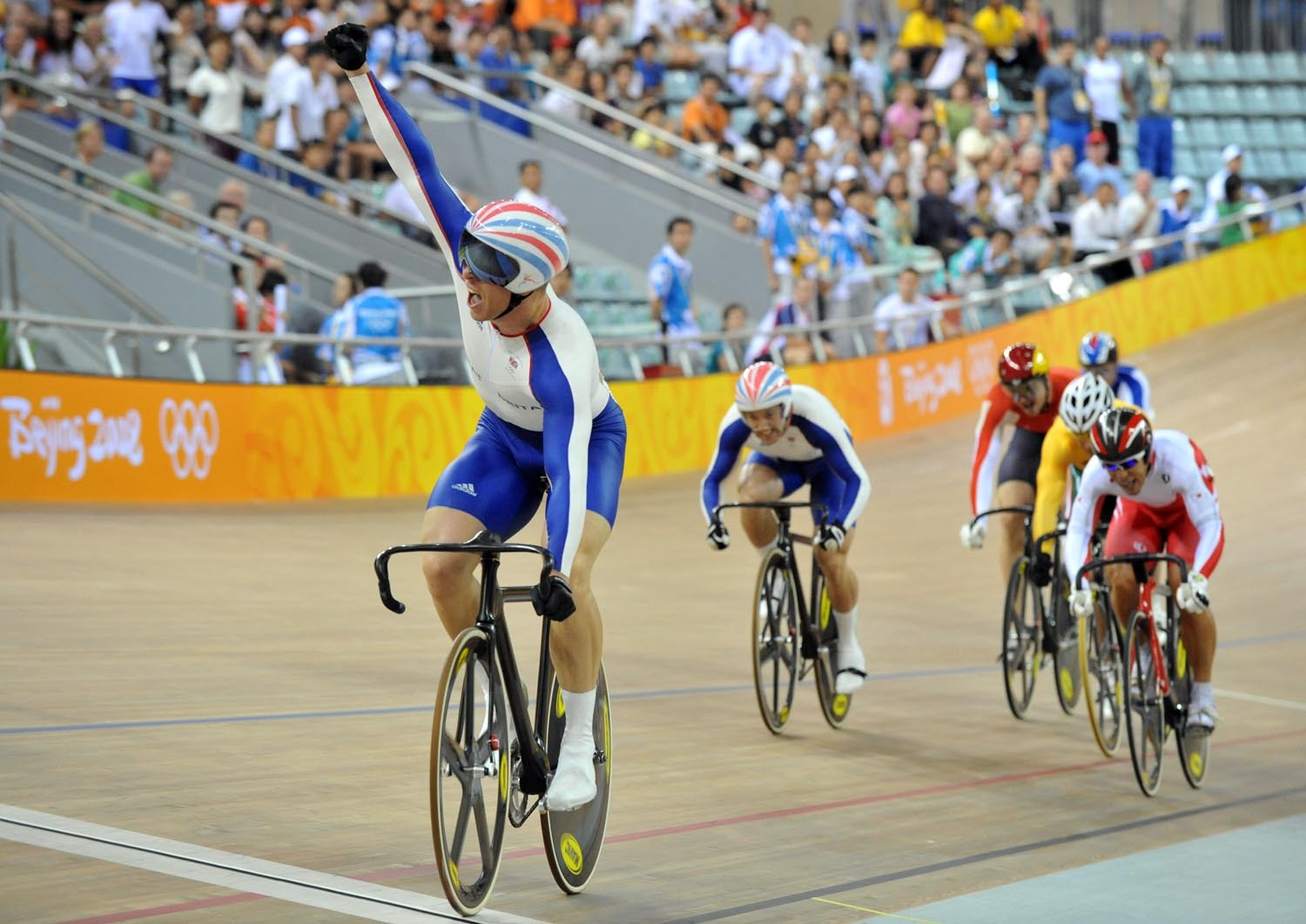 Chris Hoy wins Olympic keirin title