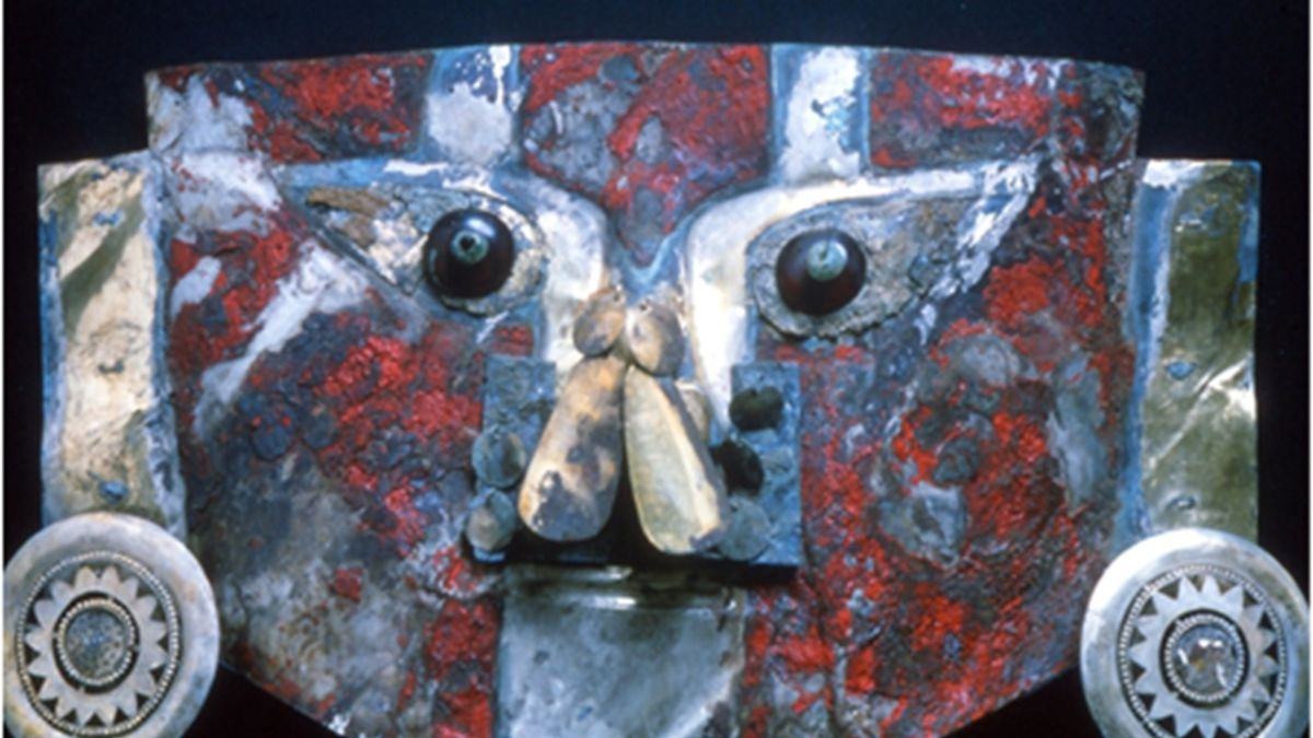 Ancient golden mask from Peru was painted with human blood