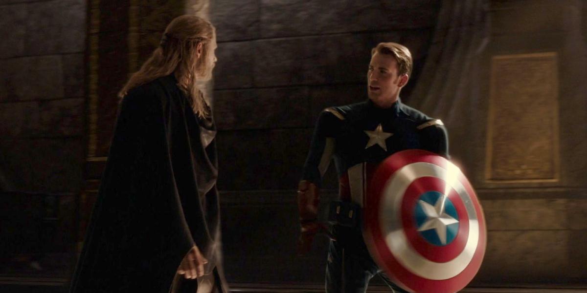 Chris Hemsworth and Chris Evans in Thor: The Dark World