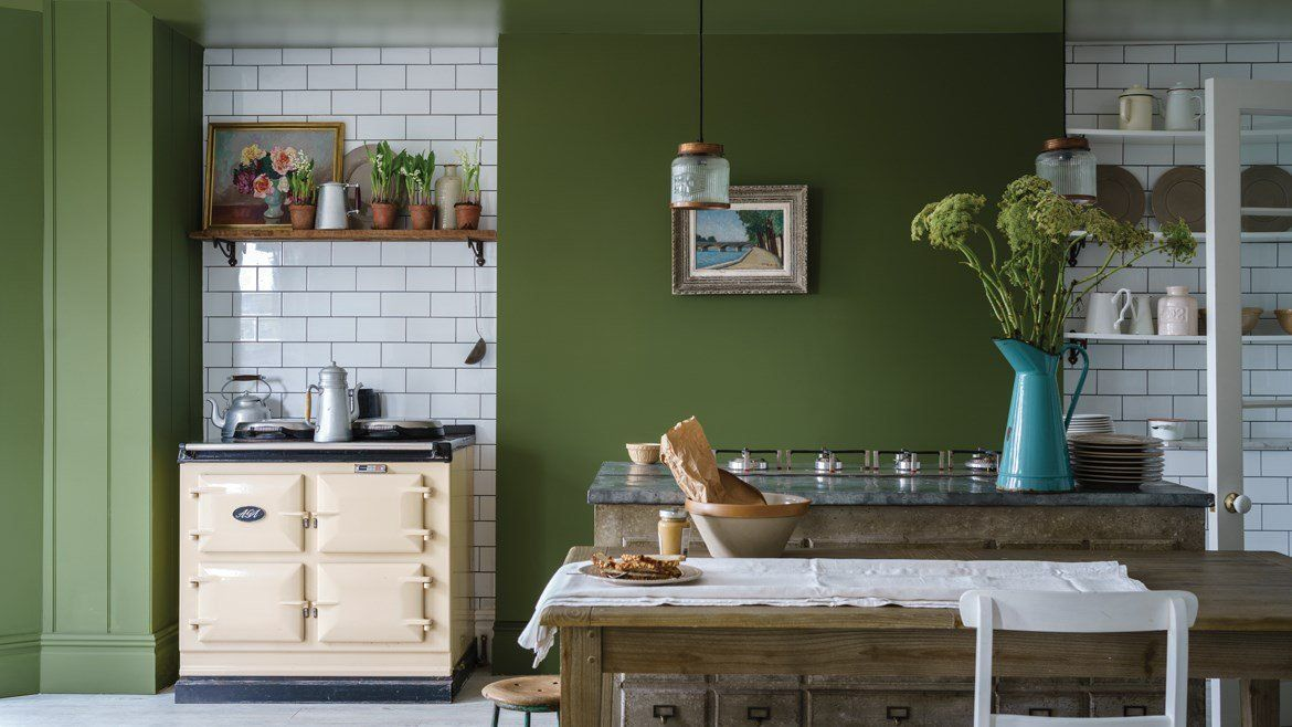 13 green kitchens that will make you rethink your neutral color scheme
