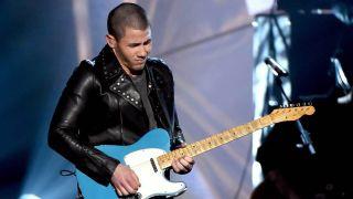 Nick Jonas guitar solo American Country Music Awards