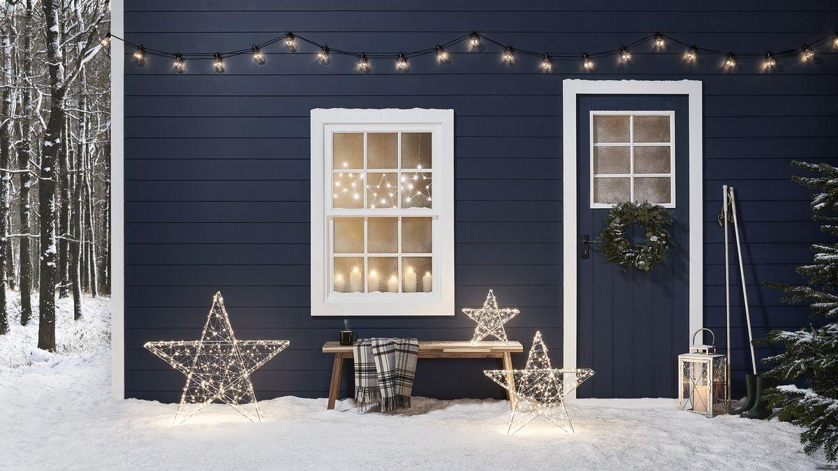 10 sweet Christmas window displays to copy
