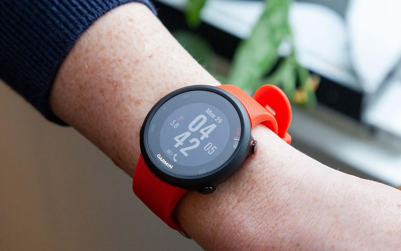 ade53cbd9 Garmin Forerunner 45 Review: Classic GPS Watch Gets a Fresh Face ...