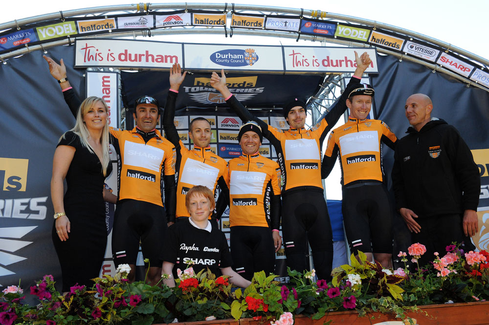 Rapha Condor Sharp team on podium, Tour Series 2011, round one