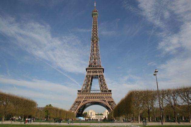 The Eiffel Tower, Paris (Photo: Edisonblus/CC2.0)