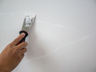 repairing cracked plaster