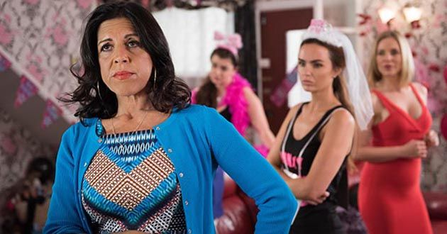 Juanita De La Cruz arrives at the hen do in Hollyoaks.