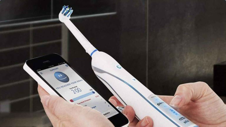 Best electric toothbrush: Oral-B SmartSeries 6000 CrossAction Electric Toothbrush
