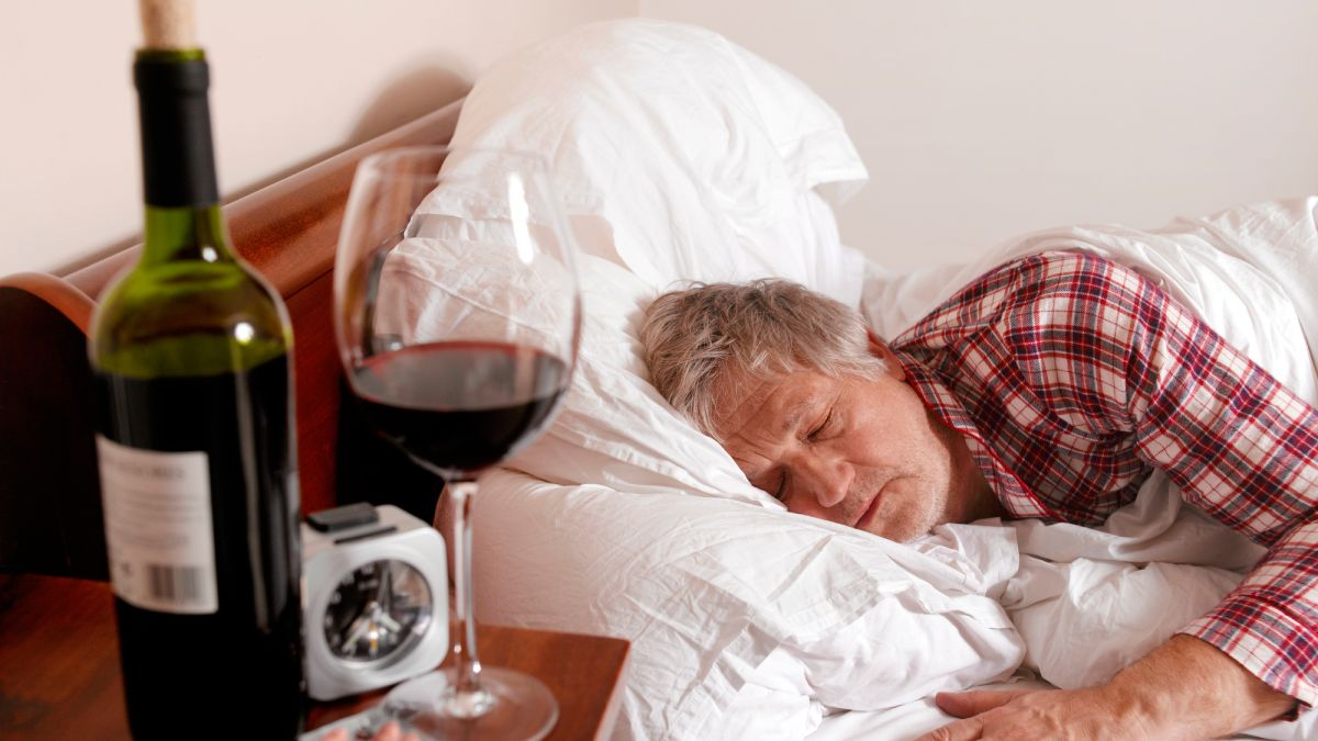 Want better sleep? Eat healthy and quit drinking, says a new study