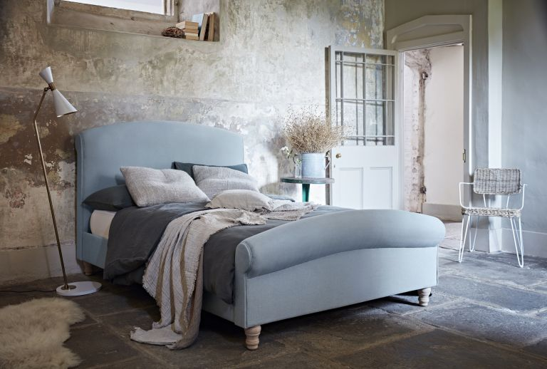 Bedroom with blue bed by Naturalmat