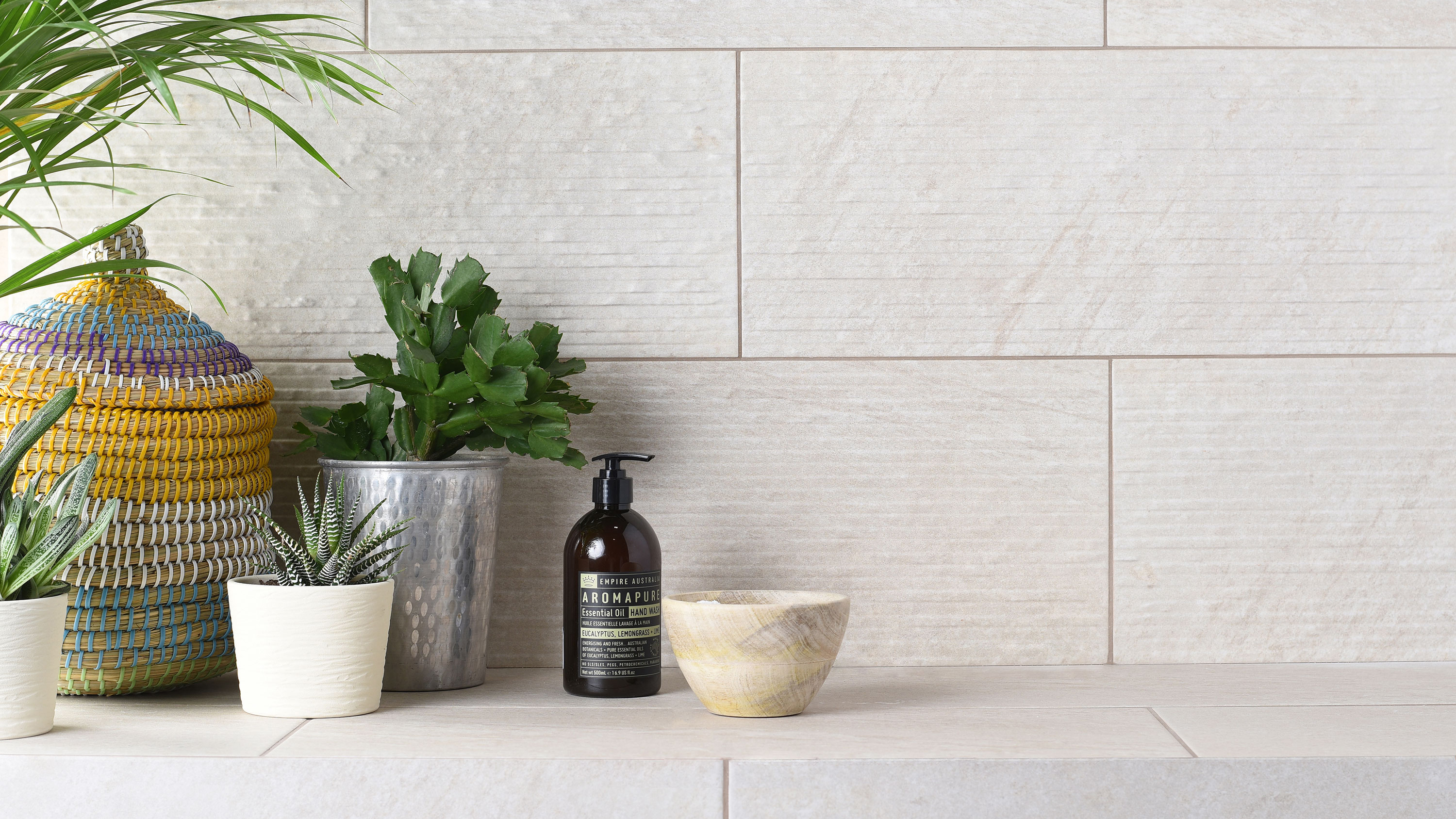 How to choose bathroom tiles | Real Homes