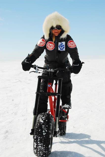 Helen Skelton starts delayed South Pole bike ride